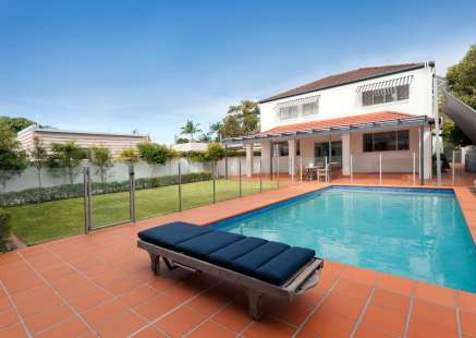 pool fencing installed by Darwin Pool Fencing usign aluminium